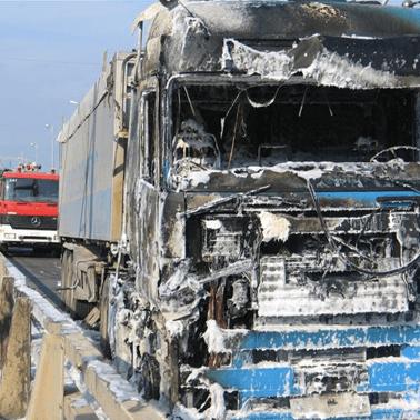 Ολική καταστροφή καμπίνας φορτηγού - mpazigos.gr